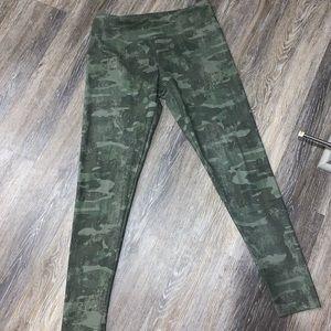 MARIKA camo leggings
